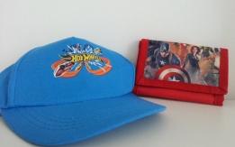 ASSEGNATO - Regalo cappellino e portafogli bambino